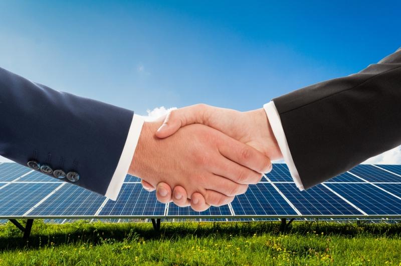 """Risultati immagini per L'elettricità """"è nostra"""". Il ruolo delle cooperative nella generazione da rinnovabili"""