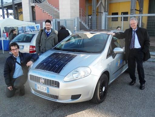 Pannello Solare Per Tetto Auto : Trasformare la propria auto in ibrida alimentata anche