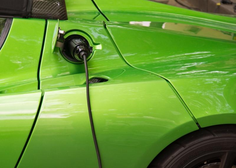 Dal 2040 solo auto elettriche in Gran Bretagna