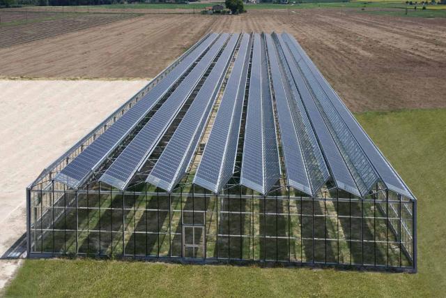Gela un complicato progetto di serra fotovoltaica da 80 - Serra bioclimatica normativa ...